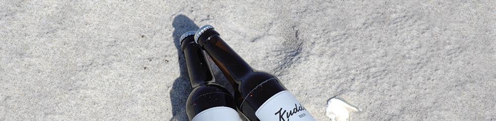 Kuddel Bier Hamburg beim kuddeln am Strand